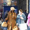 """Exclusif - Katie Holmes et sa fille Suri à la sortie de la boutique """"Mercer Kitchen"""" à New York, le 20 novembre 2020."""