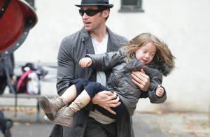 Hugh Jackman n'est pas du tout, un papa de Hollywood comme les autres... Admirez pourquoi !
