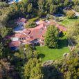 """Exclusif - Dwayne Johnson, dit """"The Rock"""", est le propriétaire d'une nouvelle villa à Beverly Hills. L'acteur l'a achetée près de 30 millions de dollars."""