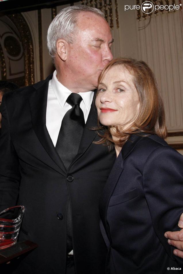 Robert Wilson et Isabelle Huppert, à l'occasion du gala du Trophée des Arts de la French Institute Alliance Française 2009, à l'hôtel Plaza de New York, le 2 novembre 2009.