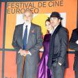 Le comédien Christopher Lee, la jolie Paz Vega et Colin Farrell, lors de l'avant-première de  Triage , de Danis Tanovic, dans le cadre du 6e Festival Européen du Film de Séville, le 6 novembre 2009.