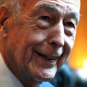 """Valéry Giscard d'Estaing : Une """"poussée de testostérone""""... récompensée ! Trop rigolo !"""