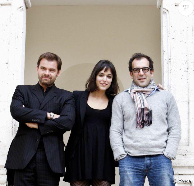 Clovis Cornillac, Vimala Pons et le réalisateur François Favrat à l'occasion de l'ouverture du 18e Festival de cinéma de Sarlat, dans le sud-ouest de la France, le 10 novembre 2009.