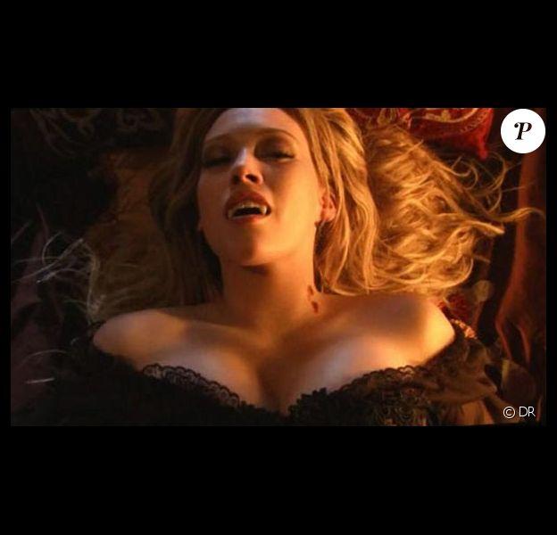 Des images de Gossip Girl avec Hilary Duff en vampire sexy...