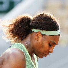 Serena Williams battue par E.Rybakina en 8ème de finale (6/3-7/5) lors des internationaux de France de Tennis de Roland Garros 2021, le 6 juin 2021. © Dominique Jacovides/Bestimage