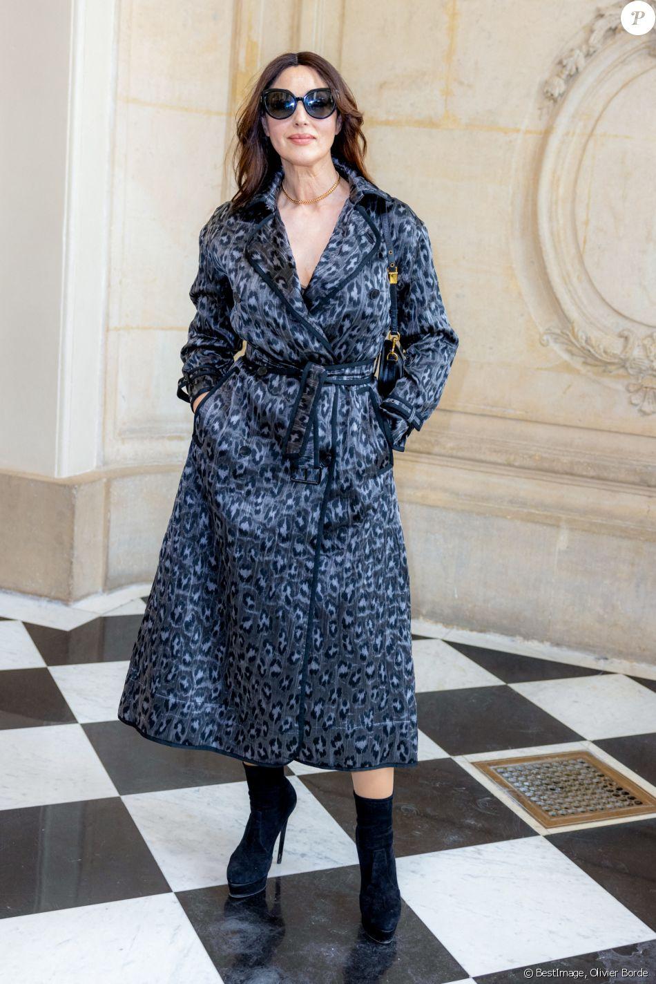 Monica Bellucci et Jessica Chastain : Duo complice et enjoué au défilé Dior : le diaporama - Purepeople