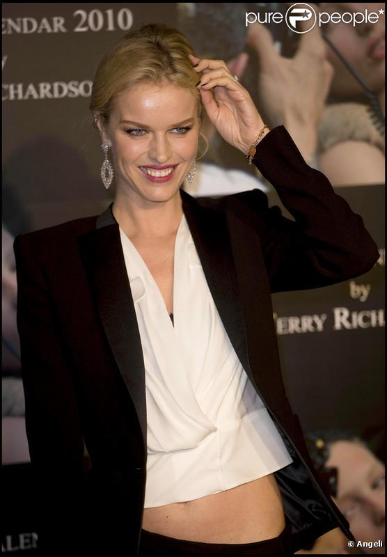 Eva Herzigova - Picture Colection