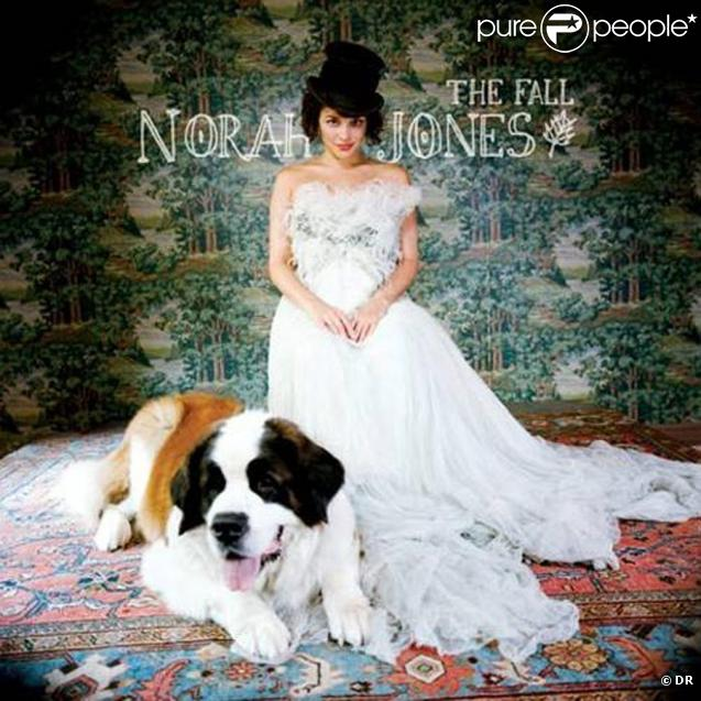 http://static1.purepeople.com/articles/5/44/77/5/@/322523-norah-jones-the-fall-637x0-2.jpg