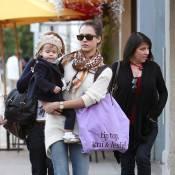 Jessica Alba : Après son téléphone, sa petite Honor... lui vole son look !