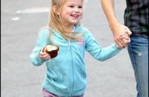 Violet Affleck est une grande fille qui a un amoureux... mais elle ne peut pas se passer de ses parents !