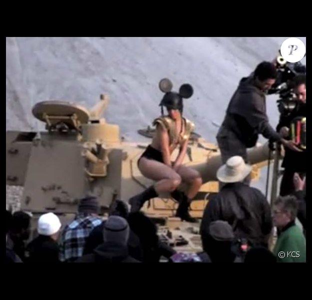 Rihanna en plein tournage de son dernier clip Hard en featuring avec Young Jeezy le 8 décembre 2009