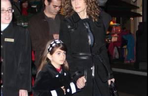 Melina Kanakaredes des 'Experts : Manhattan' avec sa petite fille... pour la combler de cadeaux !
