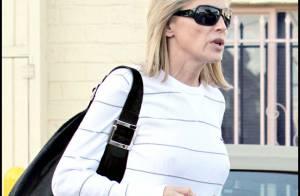 Sharon Stone, en toute simplicité... Mais que fait-elle dans un centre médical ?