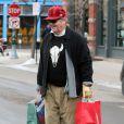 Jack Nicholson tente vaillamment de répondre aux attentes de ses proches dans les magasins à Aspen le 22 décembre 2009
