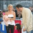 Photos exclusives : Jean Reno le parrain de Jade avec Laeticia Jade et Joy au stade de France en mai 2009