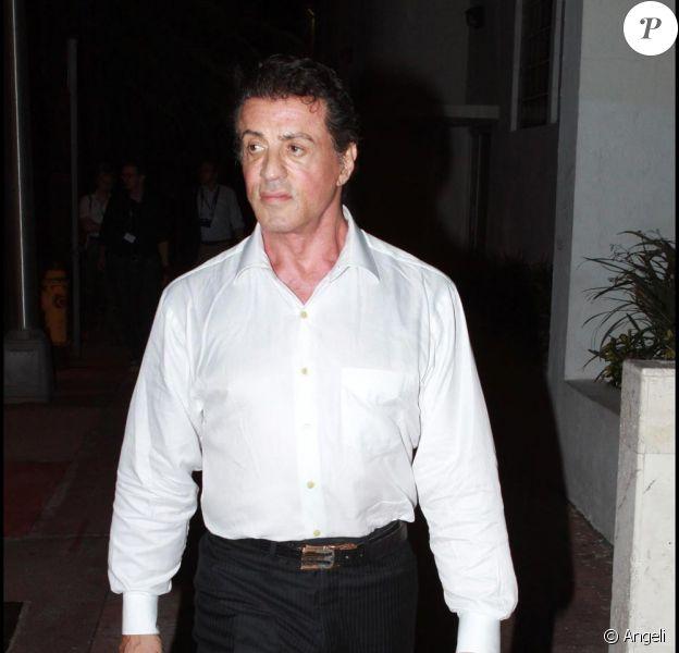 Sylvester Stallone sera, le 25 août 2010 dans les salles françaises, à l'affiche du film The Expendables. Il confie s'être fracturé le cou sur le tournage.