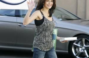 Teri Hatcher fait comme Angelina Jolie : c'est une droguée du travail, et ça la rend belle !