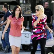 """Courteney Cox et Busy Philipps : L'incontournable et séduisant duo de """"Cougar Town"""" se reforme !"""