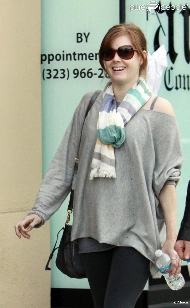 Amy Adams et son fiancé se baladent à L.A. 18/10/2010