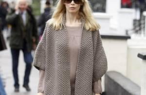 Claudia Schiffer, enceinte, nous dévoile enfin son ventre rond !