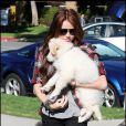 Miley Cyrus et son adorable chien à Los Angeles, le 23 janvier 2010