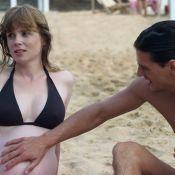 Regardez Isabelle Carré, enceinte, et le troublant Louis-Ronan Choisy dévoiler leur refuge... Un duo captivant !
