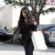 Vanessa Hudgens, vendredi 29 janvier, sortant d'un magasin Diesel. Elle y a acheté un jean.