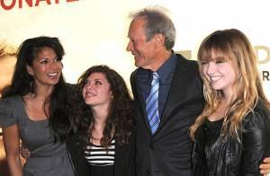 Clint Eastwood dans les bras de ses filles, Matt Damon dans ceux de sa femme... et la jolie Tamara Ecclestone !