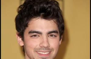 Joe Jonas : ses frères ne lui suffisent plus... C'est Brothers and Sisters maintenant ! Ben non... ( réactualisé)