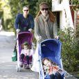 Marcia Cross avec son mari Tom mahoney et ses jumelles Eden et Savannah(7 février 2010)