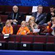 Maxima des Pays-Bas, Willem-Alexander et leurs trois fillettes sont à Vancouver pour les Jeux Olympiques d'hiver. Le 23 février, ils assistaient au programme court du patinage féminin