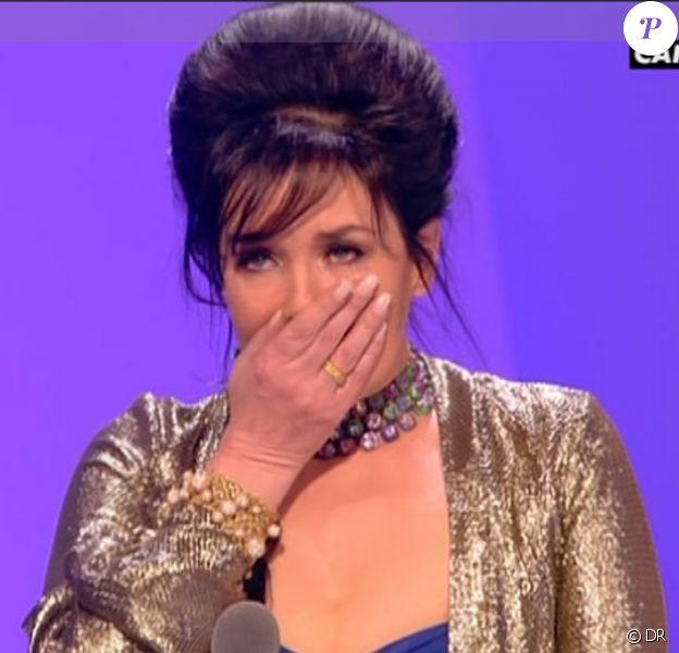 Isabelle Adjani, très émue d'avoir reçu le prix de la Meilleure actrice. Grâce à ce 5e César, elle détient ainsi un nouveau record.