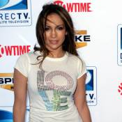 Regardez Jennifer Lopez parodier sa copine Rihanna... Un grand moment !