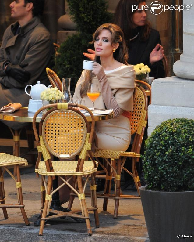 Angelina Jolie sur le tournage de The Tourist à Paris