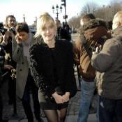 La superbe Mélanie Laurent, la fraîche Charlotte Gainsbourg et la déjantée Jeanne Balibar... Un trio ensoleillé !