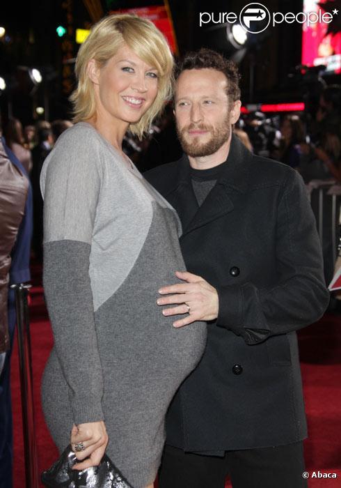 Jenna Elfman et son mari Bodhi Elfman en novembre 2009