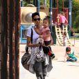 Halle Berry et sa princesse ont fait sensation au parc à Beverly Hills. Le 5 mars 2010
