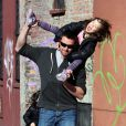Hugh Jackman et sa fille Ava à la sortie de l'école (9 mars - NYC)