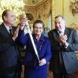 Le 16 mars, Simone Veil découvrait son épée d'académicienne, remise par Jacques Chirac et sous les yeux de son mari Antoine, de sa petite-fille Rebecca