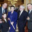"""""""Le 16 mars, Simone Veil découvrait son épée d'académicienne, remise par Jacques Chirac et sous les yeux de son mari Antoine et de sa petite-fille Rebecca"""""""
