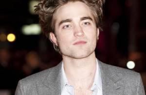 Robert Pattinson : découvrez l'acteur complètement ivre... mais toujours la main sur le coeur !