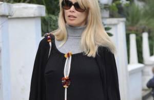 Claudia Schiffer, enceinte, dans un look sobre et élégant... La it-maman serait-elle de retour ?