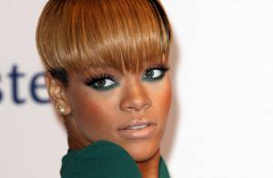 Regardez la sulfureuse Rihanna afficher sa dernière folie capillaire !