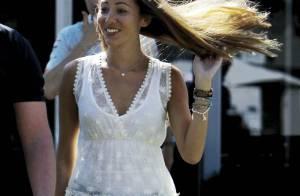 Jessica Michibata très court vêtue... Attention à ne pas déconcentrer Jenson Button !