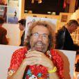 La Salon du Livre 2010 se tient à Paris jusqu'au 31 mars, et accueille de nombreux people-auteurs, dont Antoine