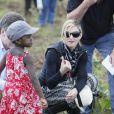 Madonna avec sa petite Mercy au Malawi, le 5 avril 2010