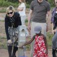 Madonna avec la petite Mercy au Malawi, le 5 avril 2010