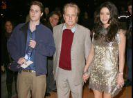 Catherine Zeta-Jones et Kirk Douglas se mobilisent pour le fils de Michael Douglas... qui risque dix ans de prison !