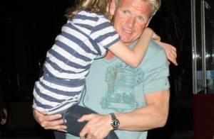 Gordon Ramsay, le cauchemar des cuisines, abandonné par son Top Chef... trouve du réconfort en famille !