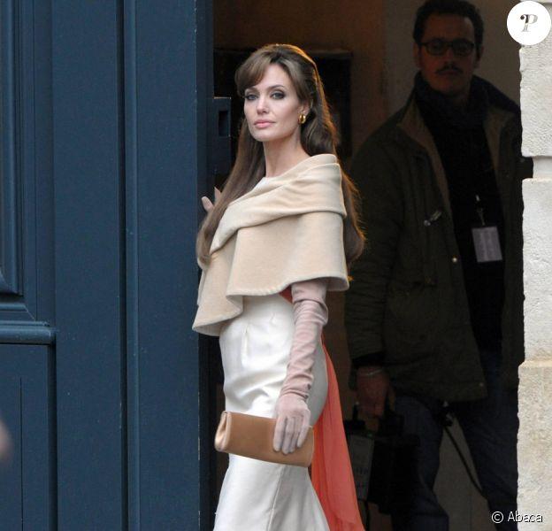 Angelina Jolie sur le tournage de The Tourist à Paris le 25 février 2010